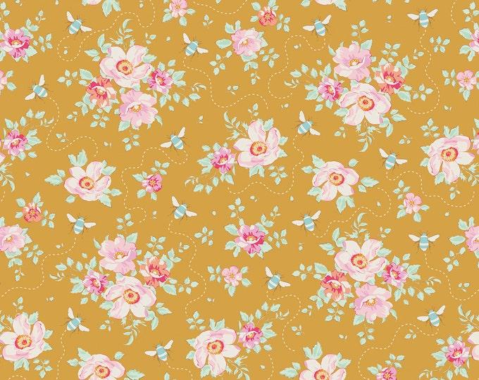 TILDA - Bumblebee Rosa Mollis Golden 481315 - 1/2 yard
