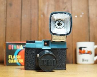 VINTAGE Diana F Medium Format 120 Film Camera w/ Flash & FILM