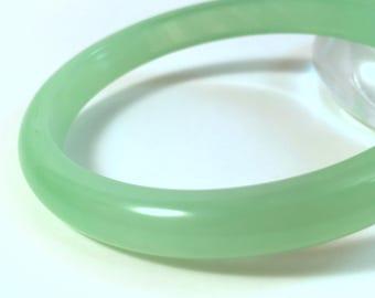 """Vintage Bakelite Bangle - Gleaming Mint Green Prystal Marblette Polished Bakelite Catalin Bracelet 3/8"""""""