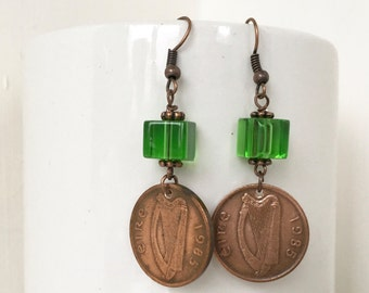 1985 Irish coin earrings, kelly green glass jewelry, vintage penny, 32nd birthday anniversary gift for her, present Wife, mum, sister, aunt,