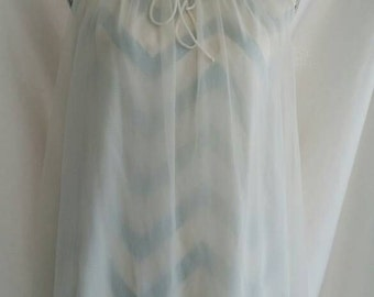 1950s / 50s Peignoir Set Vintage Nightgown