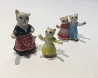 Four Adorable Ceramic Cat and Kittens Family