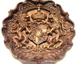 Estate Heraldic Lion Royal Crown Crest Coat of Arms Hydrostone Wall Hanging