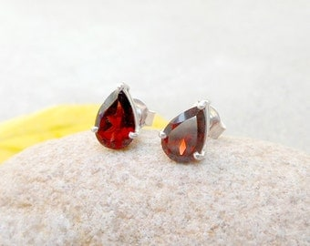 SALE - Stelring Silver Garnet Stud Earring, Dark Red Stone studs - Gemstone Post Earrings, Post Studs, Birthstone Earring, Gift idea for her