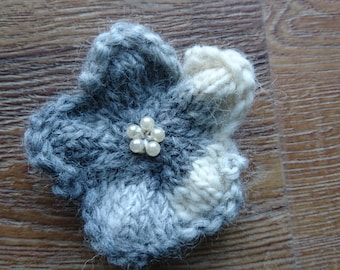 Hand knitted flower brooch pin - grey and cream