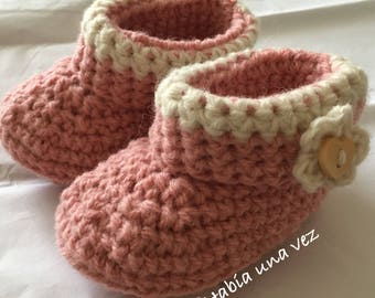 Booties handwoven in pink wool - for babies 6 to 9 months