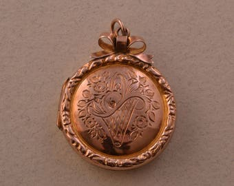 9ct Gold Victorian Opening Locket (207u)