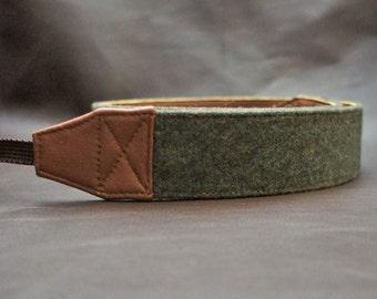 SLR Camera Strap : Moss green flannel