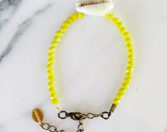 Bracelet beads and shell: lemon yellow
