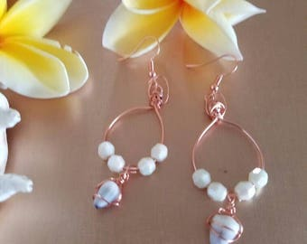 Sea SHELL earrings. Hawaiian shell with beads earrings. Chandelier sea shell earrings