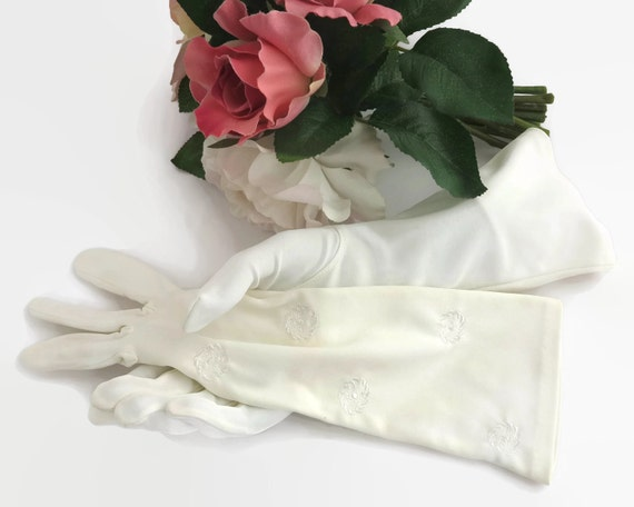 Mid 20th century white gloves, longer length, embroidered circles of flowers, size 7, nylon simplex, bridal, formal, circa 1960s