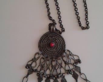 Chain necklace Metal chain necklace Medallion Aztec Renaissance Silver tone Vintage jewelry