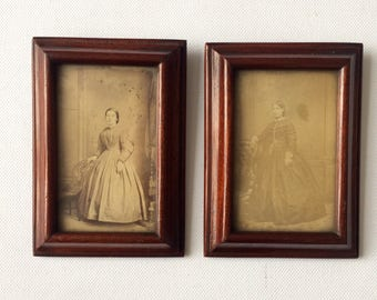 Set of 2 Small Vintage Pictures