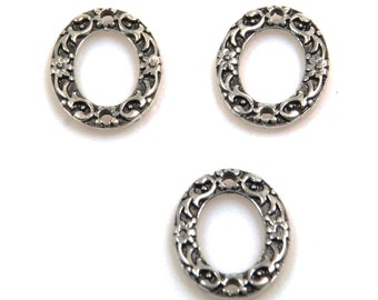 Oval loop spacer pendant 2 holes with structure, antique silver - jewelry supplies, jewelry pendant - 12 pieces