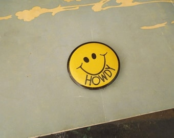 Kitschy Mod Pin Back Button Smiley Face Black Face on Yellow - 1970 Pop Art Button - Groovy Prop Movie Set Vintage