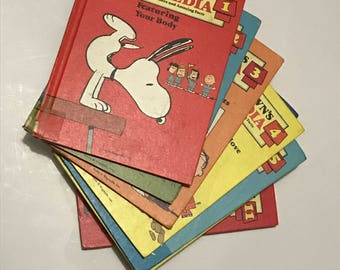 Charlie Brown's Cyclopedia set  Vintage from 1980