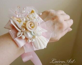 Beach Wedding Corsage Beach Wrist Corsage Shell Corsage Wedding Sea Shell Bridal corsage Mothers Corsage