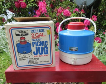 Vintage 1976 Thermos Picnic Water Jug in the Box Red White and Blue with Cup Caddy 2 Gallon Jug