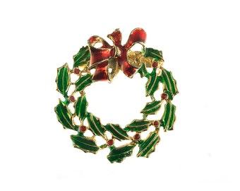 Classic Christmas Wreath Brooch
