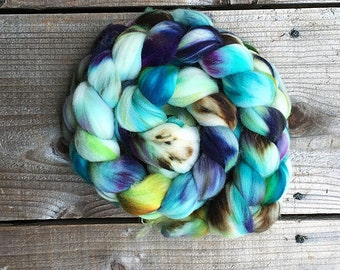 STARFLOWER B color, Superwash Targhee spinning fiber, roving, handpainted, hand dyed, combed top, domestic, American made, wool