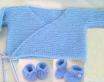 All cross-bra and in wool slippers blue with buttons