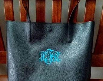 Monogrammed Bucket Style TOTE/ Handbag/ Teacher Gift/  Bridesmaid Gift/ NEW ITEM