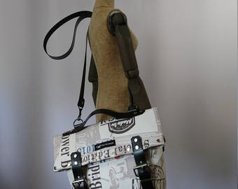 Cool hand and shoulder bag