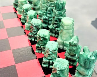 AZTEC Chess Set, Onyx, Marble, Stone, Vintage Chess Set, White and Jade Green Alabaster Pieces - Mexico #582c