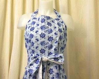 VINTAGE 1970's Powder Blue Calico Cotton, Wraparound Sun Dress, Day Dress, Summer Dress, Size M