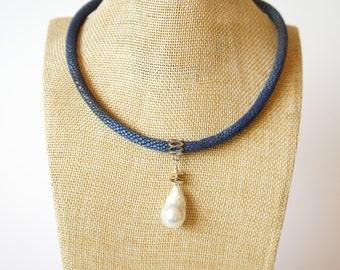 Eco suede necklace Baroque Pearl