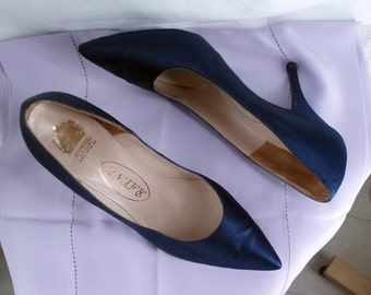 Navy Silk 1950's Stiletto Shoes Rayne by Appointment to H. M. the Queen .  Rock and Roll Fashion . .