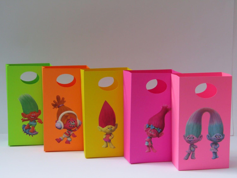 10 trolls party favor bag candy treat bag trolls. Black Bedroom Furniture Sets. Home Design Ideas