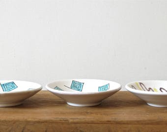 3 Vintage small cups