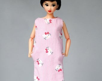 hello kity dress with pockets for Momoko & other 1:6 scale dolls