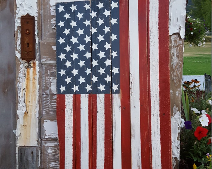 Rustic Wood American Flag, Wood Flag, Vertical Flag, Rustic Flag Sign, Farmhouse decor, Rustic Decor, USA Porch Flag, America decor Yard Art