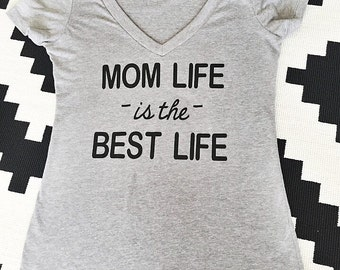 DIY - Mom life is the Best life - heat transfer vinyl iron on