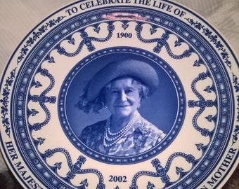Commemorative plate in honor of the Queen Mother