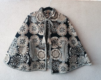 Free Shipping! Gorgeous 1960's Tapestry Capelet.