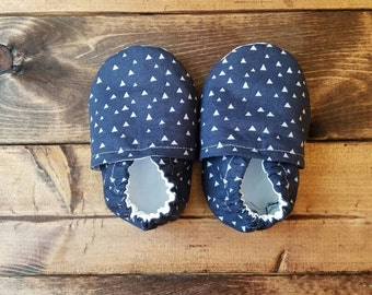 6-12 month navy and gray triangle baby shoes, infant crib shoes, fabric moccasins, cloth baby booties, nonslip soles, toddler slippers