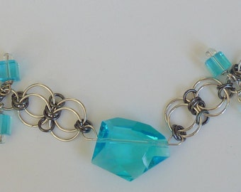 blue crystal bracelet, wedding bracelet, bridal bracelet, bridesmaid bracelet, prom bracelet, blue bracelet, prom jewelry, chain maille