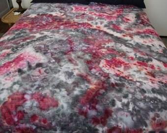 Ice-Dyed Nebula Throw Blanket Burgundy & Black