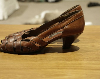 Womens Roland Cartier 1960's brown italian leather sandles with stacked heel