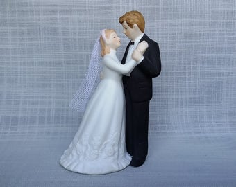Vintage Lefton Bride and Groom Figurine, Wedding Cake Topper, Lefton China Bride and Groom Cake Topper, Bridal Shower Gift
