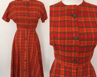 Small 1950s plaid fit and flare dress