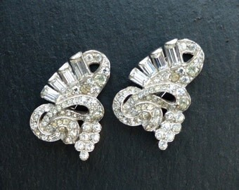 Vintage 1930s - Matching Pair of Clear Diamanté Dress Clips (No brooch Frame)