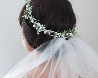 Bridal Halo- Greenery Flower Crown- Pearl Hair Vine Halo- Pearl Headpiece- Wedding Wreath- White Flower Crown- Berry Headband