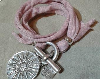 BRACELET trapillo, Zamak and pendants