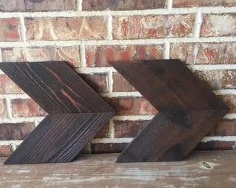 Rustic Reclaimed Wood Chevron Arrow
