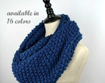 Blue Knit Infinity Scarf, Seed Stitch Scarf, Chunky Knit Long Scarf, Winter Circle Scarf, Womens Knit Circle Scarf, Reversible Crochet Loop