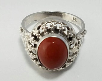 Carnelian Ring with Rich, Dark Orange Oval Stone in Intricate Silver Setting, Size 6.25